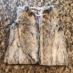 Toddler girls faux fur vest. Oshkosh 12-18 months